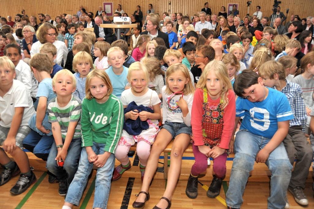 """31.08.2012, Festakt zur Umbenennung der ehemaligen Schule Othmarscher Kirchenweg in """" Loki Schmidt Schule """""""